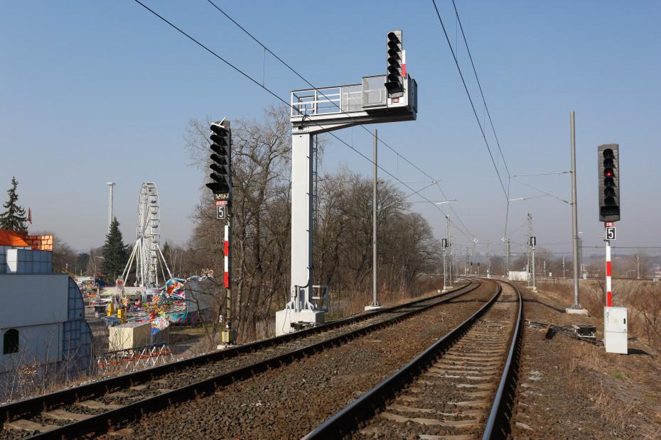 04 - Matějská pouť hned vedle tratě