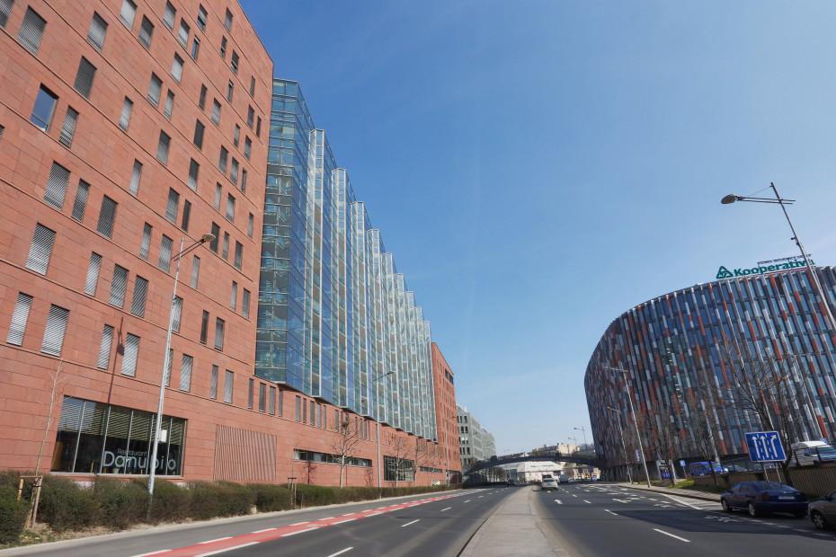 02 - trojúhelníková stavba Danube House