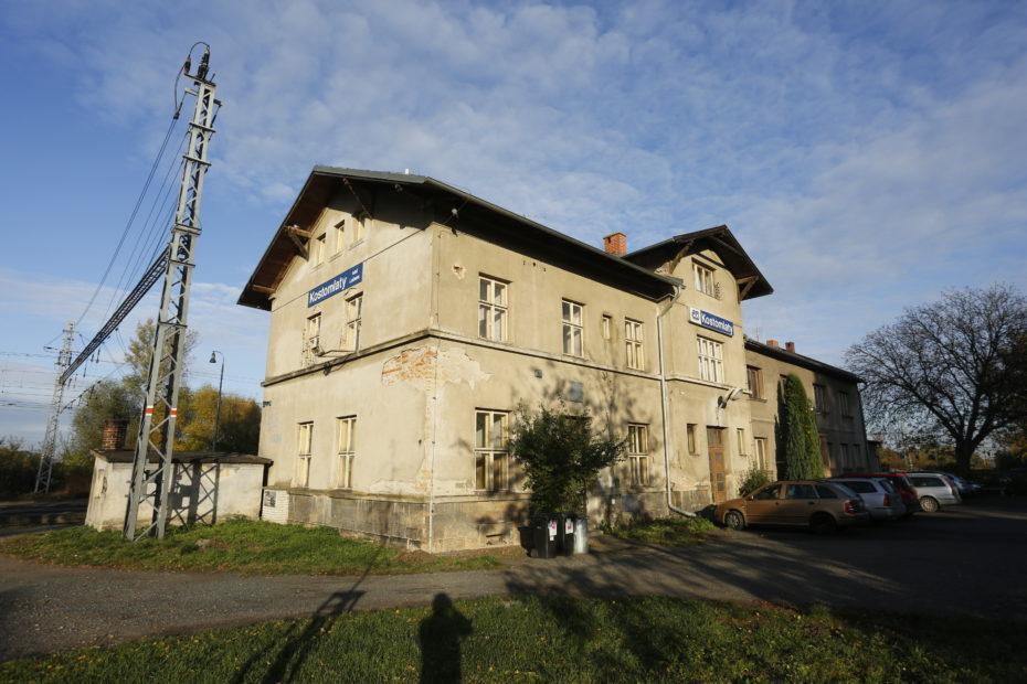 17 Kostomlaty nádraží - Hrabal